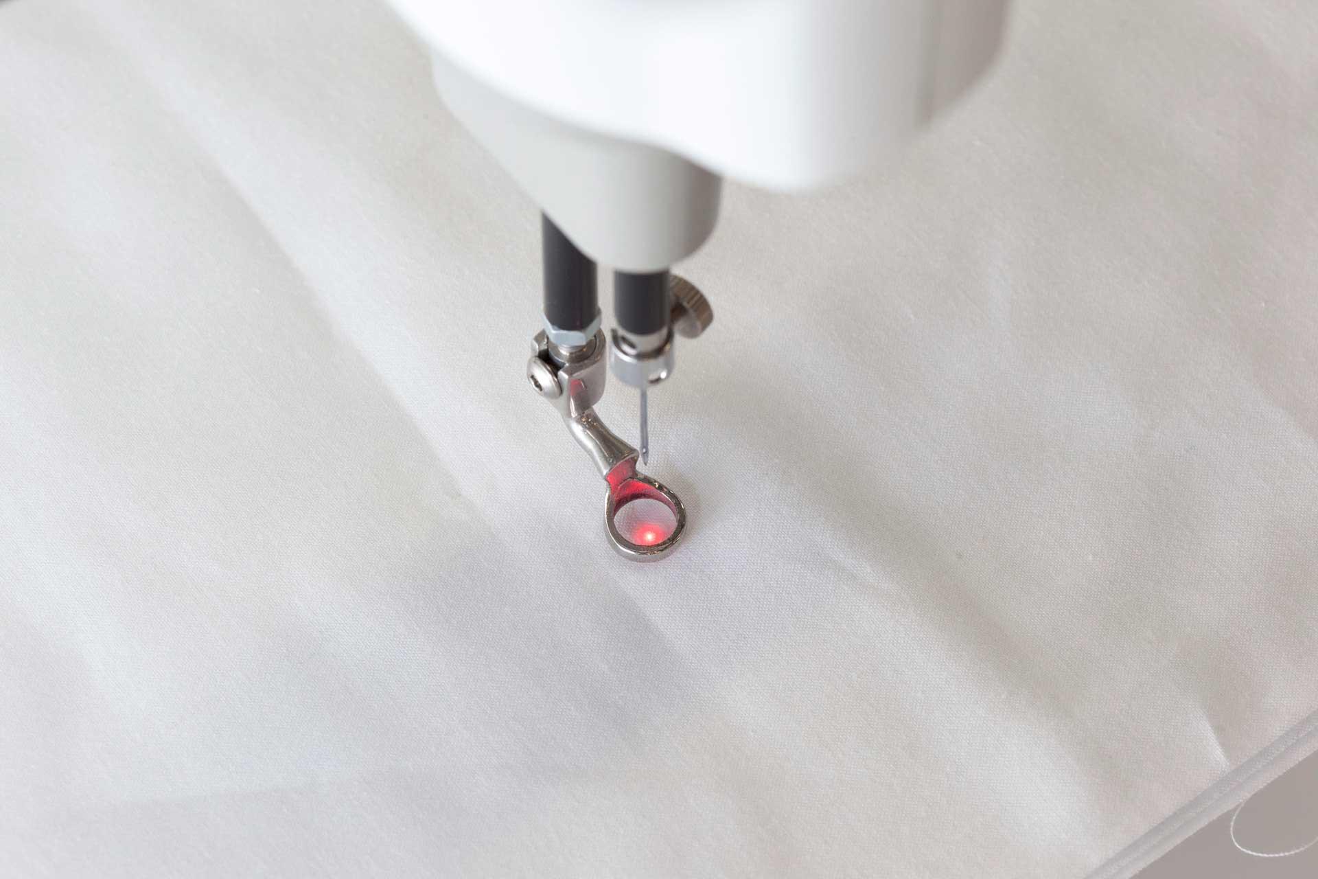 laserlight-for-needle.jpg