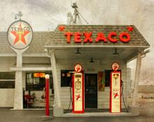 Vintage Texaco Station, Hazel Green, WI