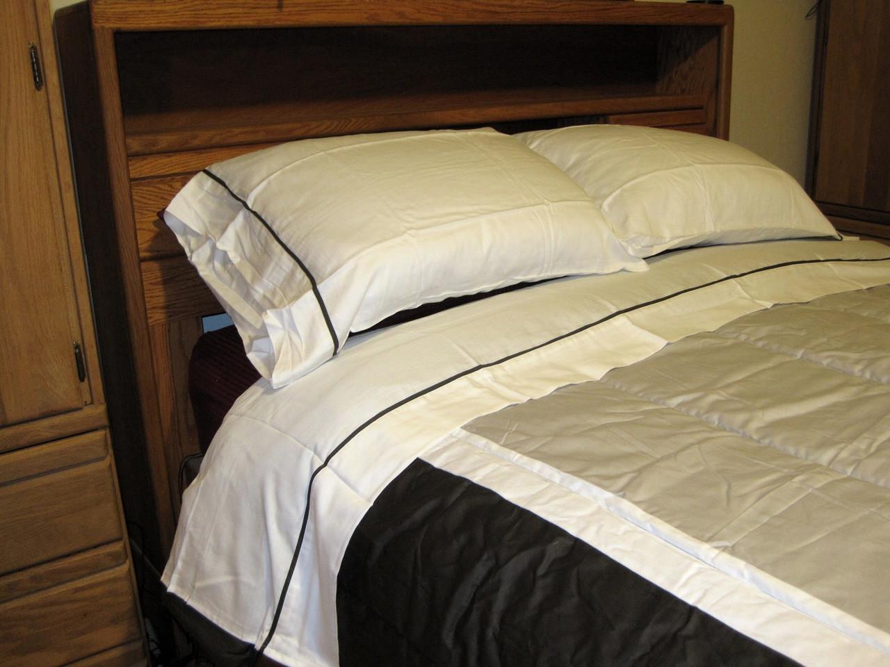 Bed Bath Beyond Boulevard Black Khaki White Sheet