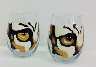 Single Tiger Eye Stemless Wine Glass