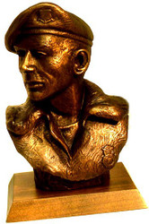 """AIR FORCE SECURITY PERSONNEL MILITARY STATUE BUST, 10"""" HEIGHT MOUNTED ON A 7"""" X 5"""" WALNUT BASE."""
