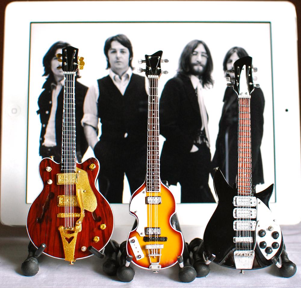 the beatles guitar set ed sullivan fab four super mini. Black Bedroom Furniture Sets. Home Design Ideas