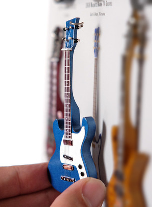 """Rock and Roll History V36 Johnny Ramone The Ramones Blue Mos 4"""" Miniature Guitar with Magnet Visual Compendium of Guitar"""