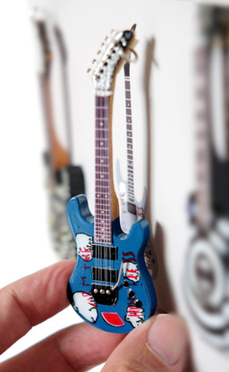 """Rock and Roll History V56 Tom Morello Rage Against the Machine Arm the Homeless 4"""" Miniature Guitar with Magnet Visual Compendium of Guitar"""