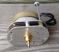 SMALL SYNCHRON ELECTRIC CLOCK MOVEMENT