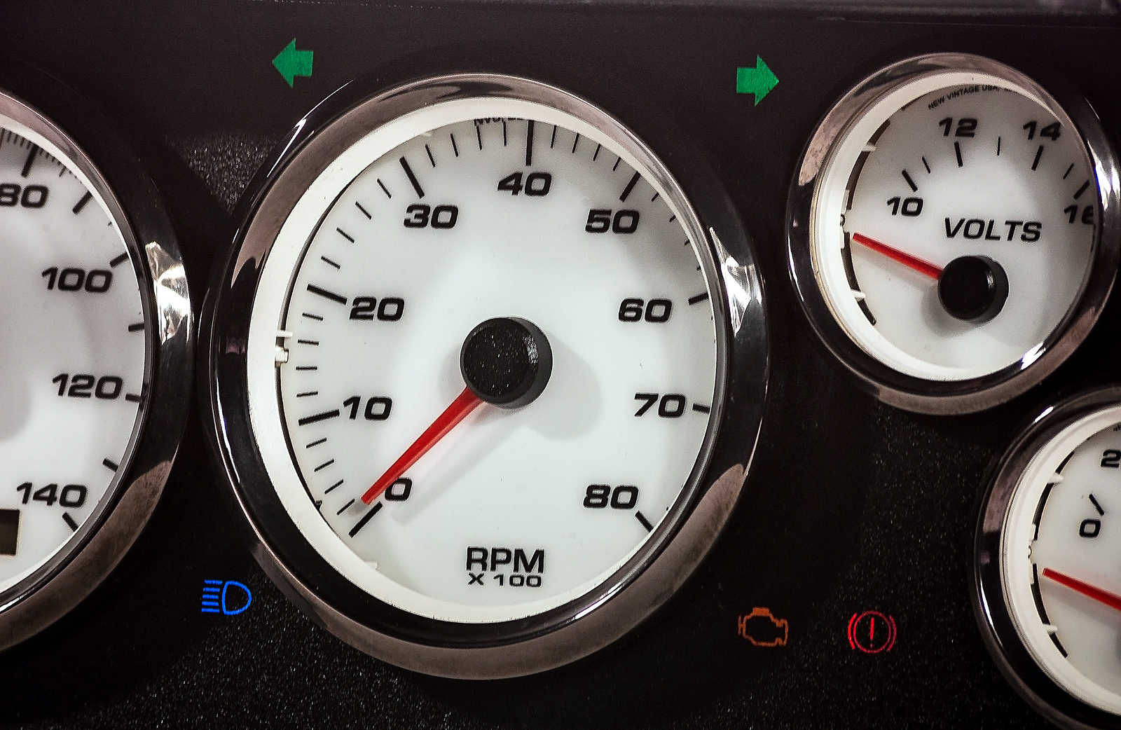 g-body melacaming sweep dash custom gauges