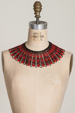 GIFTS: BEADED LACE COLLAR Black & Red Chevron
