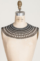 GIFTS: BEADED LACE COLLAR Black & White X