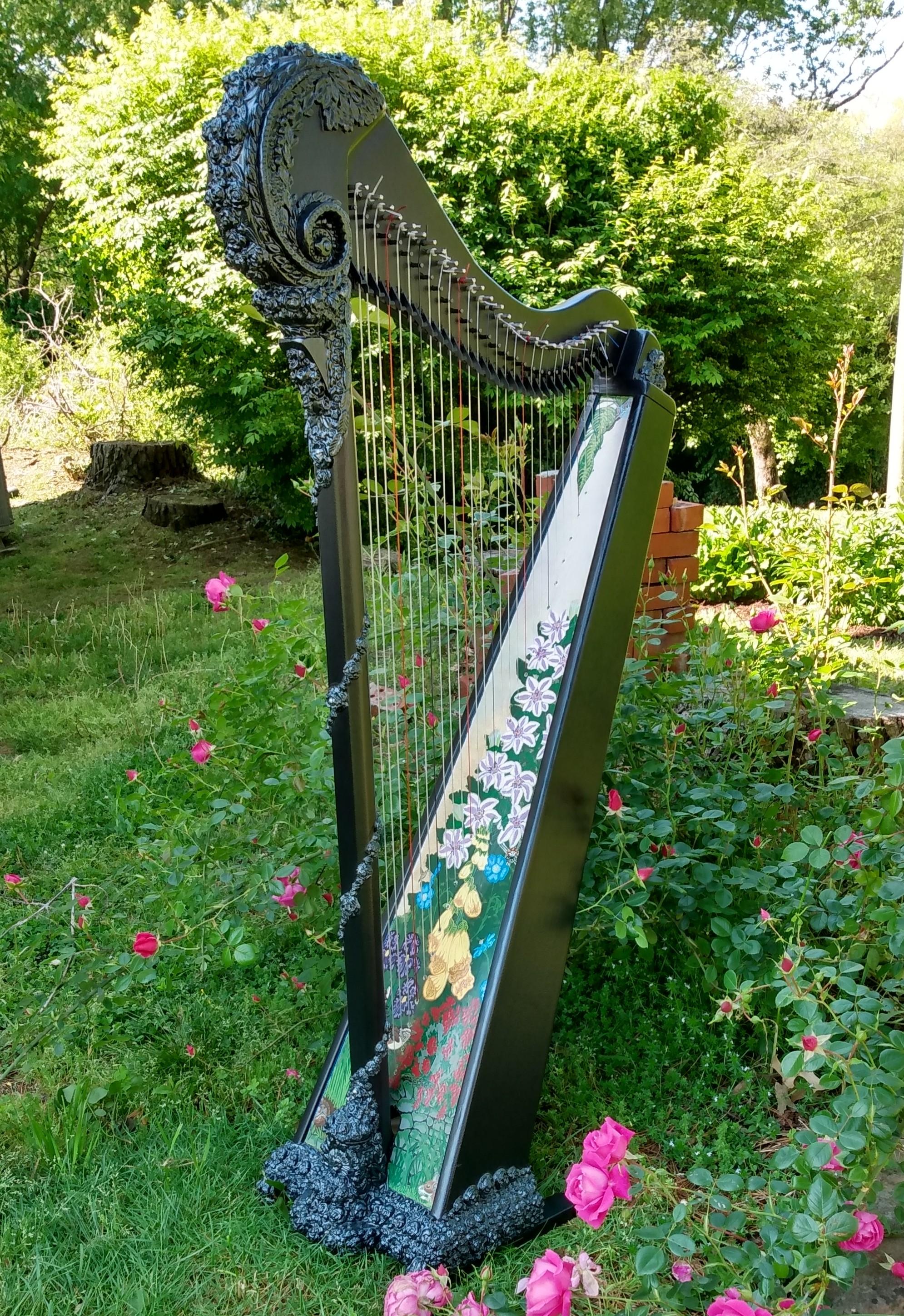 onyx-in-the-garden-from-amy-vining.jpg
