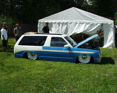 "Ronnie's S-10 Blazer With Our 37.5x68"" Sliding Ragtop"