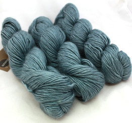 Fyberspates Scrumptious Double Knitting/Worsted Yarn in Water