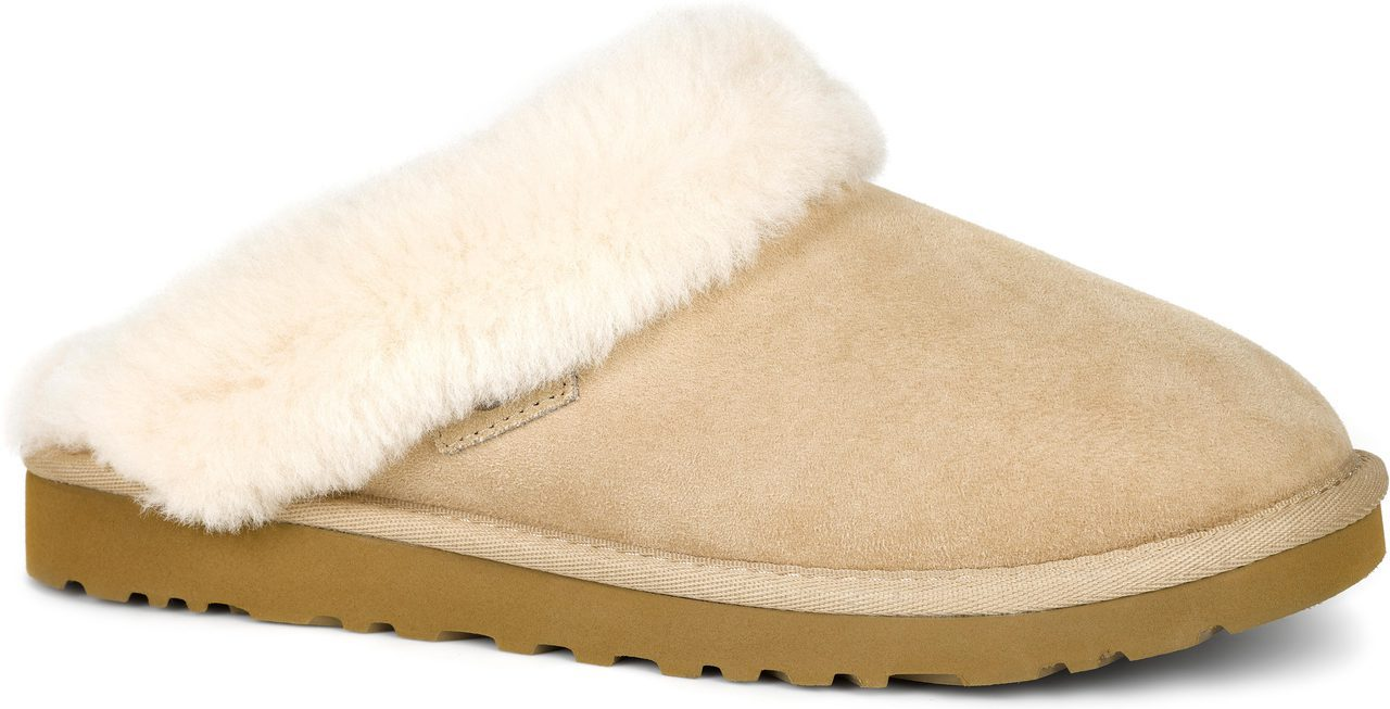 UGG Cluggette in Sand