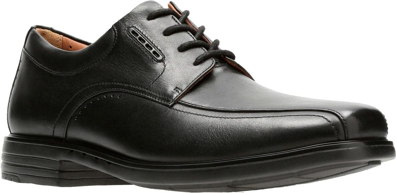 ... Clarks Unstructured Men's Un.Kenneth Way. Black
