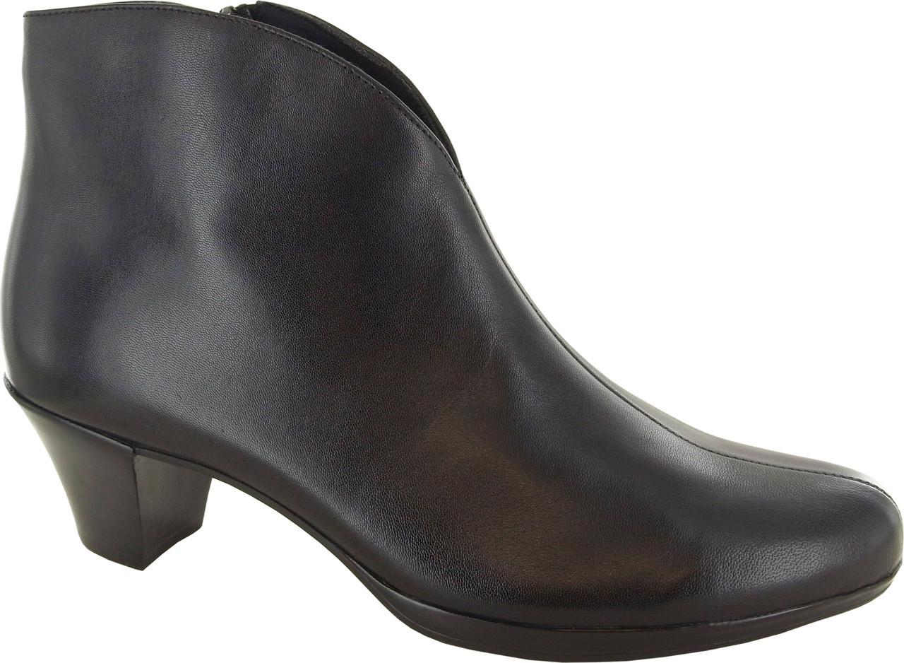 f9deb3dcbdb Munro Robyn - FREE Shipping   FREE Returns - Women s Boots