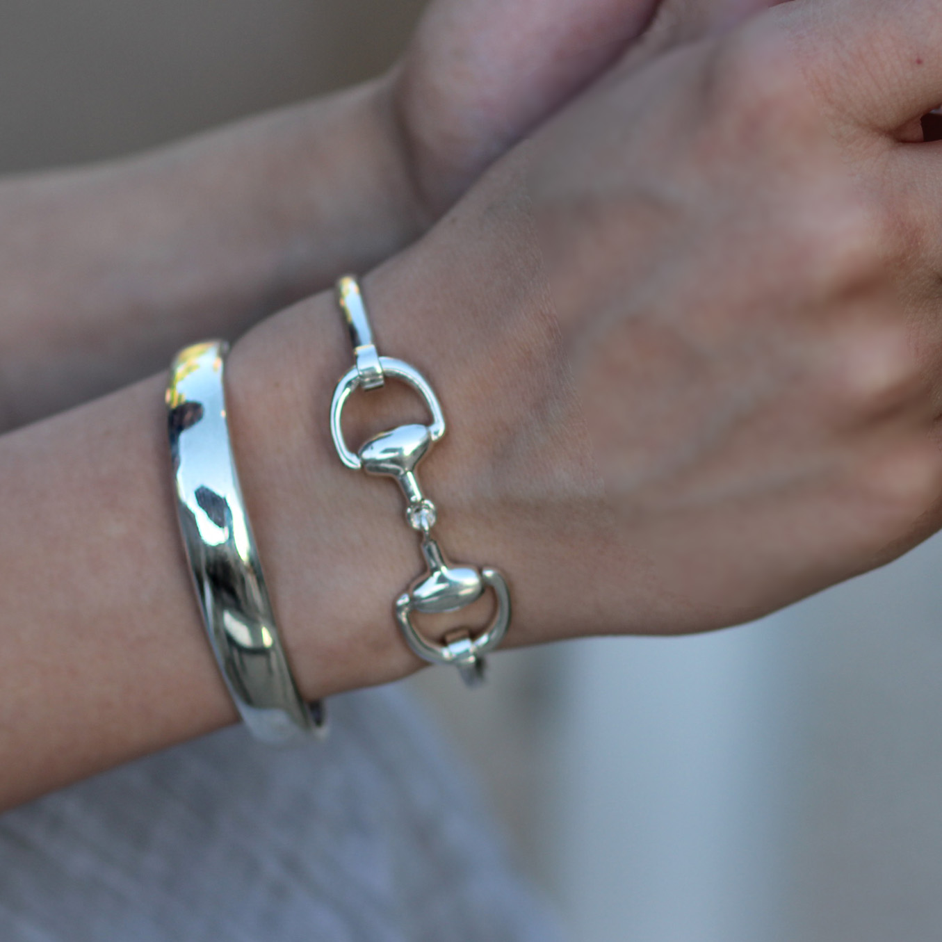 small-wrist-bangle-opens-caracol-.jpg
