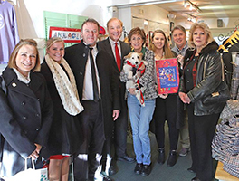 Maryland Comptroller and Annapolis Mayor shop at Paws pet boutique