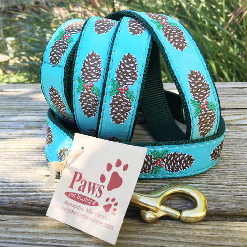 "Pine Cone Dog Leash shown in 1"" width"