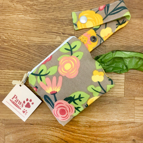 Fabric Pick-up Bag Holder with Snap