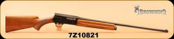 """Consign - Browning - 20Ga/2.75""""/27"""" - Auto-5 Light Twenty - Wd/Bl, c/w 3 barrels 25"""" & 27"""" & luggage case"""