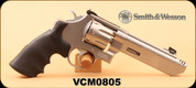 """Consign - Smith & Wesson - 357Mag - Model 627 V8 - Revolver - Stainless Steel/Blk grips, 5"""" Barrel, c/w case, 2pkgs Moon Clips, Wood grips"""