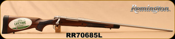 "Remington - 7mmRemMag - Model 700 CDL SF - Bolt Action Rifle - Walnut/Stainless Steel, Fluted 26""Barrel, 3 Rounds, Mfg# 84016, S/N RR70685L"