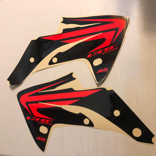 CRF150R Wing Shroud Graphic black Background