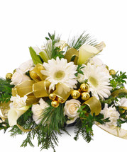 White & Gold Centerpiece