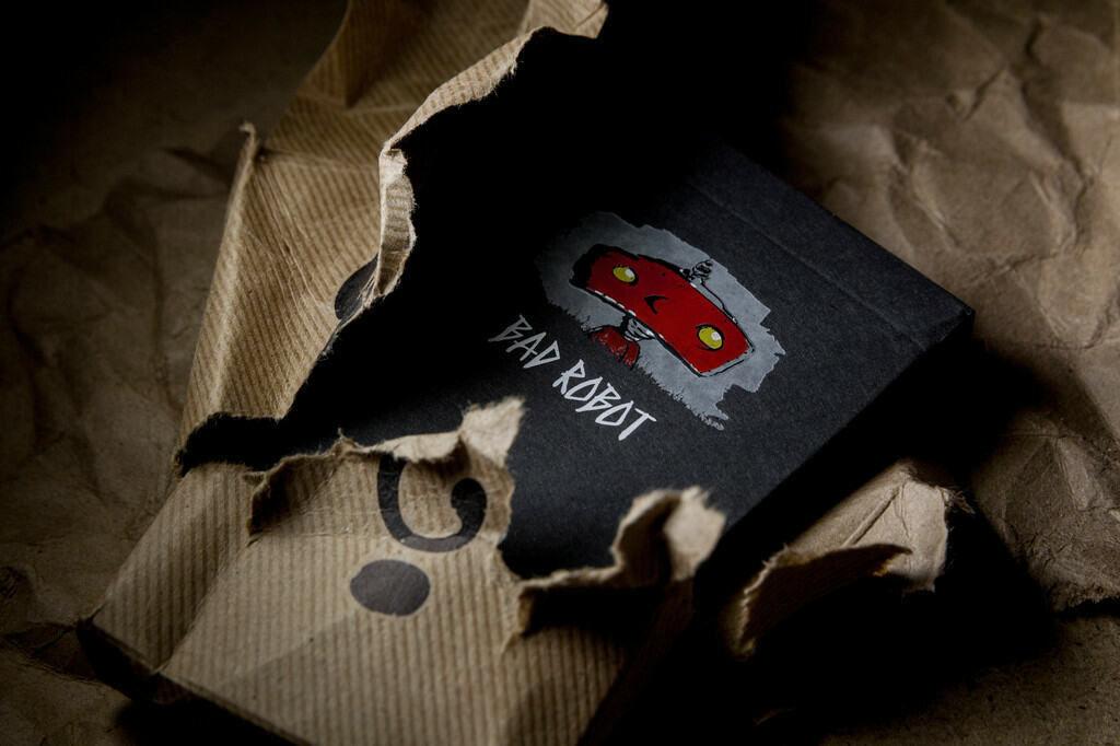 mystery-box-playing-cards-j.j.-abrams-3-.jpg