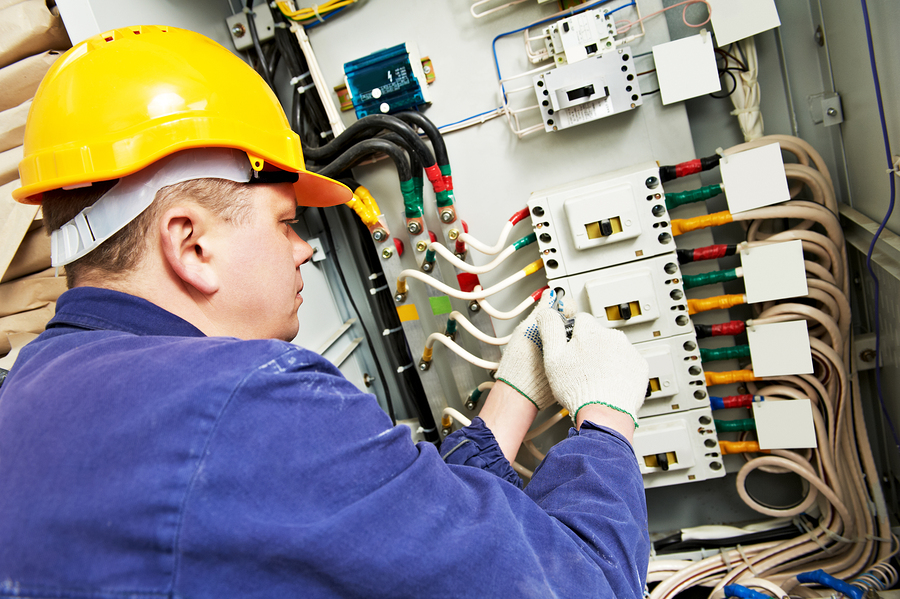 On The Job: Electricians In The United States Of America ...