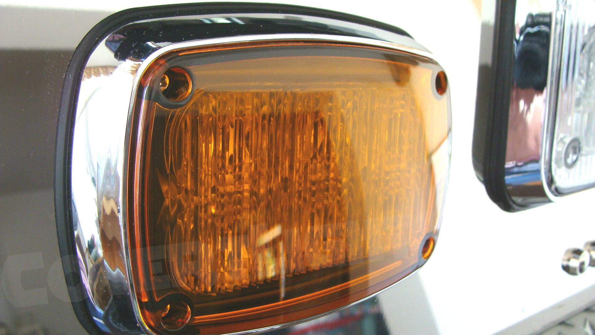 k40-amber-lens-tecniq-covert-lights.jpg