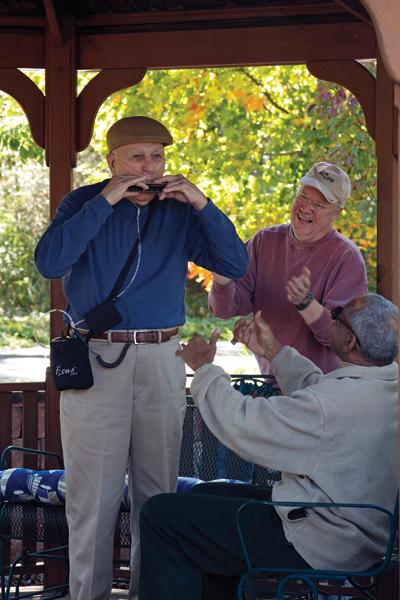 airsep-focus-portable-concentrator-harmonica.jpg