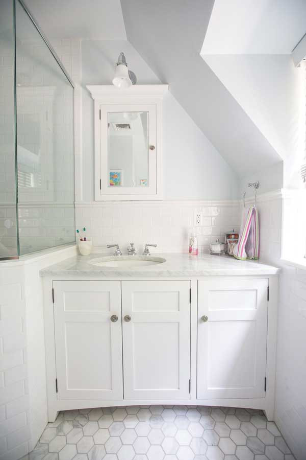 Custom Elegant White Bathroom Cabinets