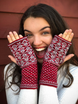 Angoon Fingerless Mitts