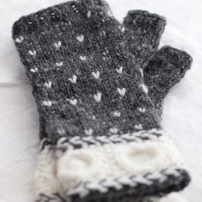 Circle of Friends Gloves