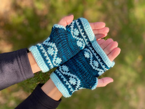 Dot & Wave Fingerless Mitts