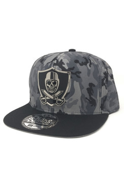 2-Tone Metal Shield Snap Back Hat - Camo