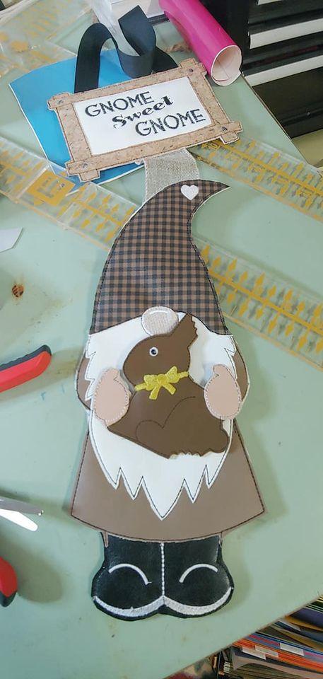 belinda-gnome-with-bunny.jpg