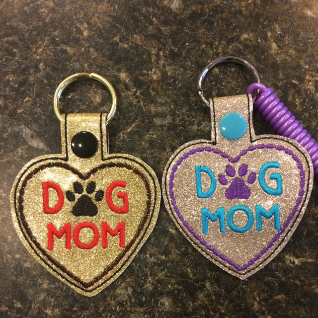 dog-mom-dad-iap-640x640.1576822505-hg7hf6vh.jpg