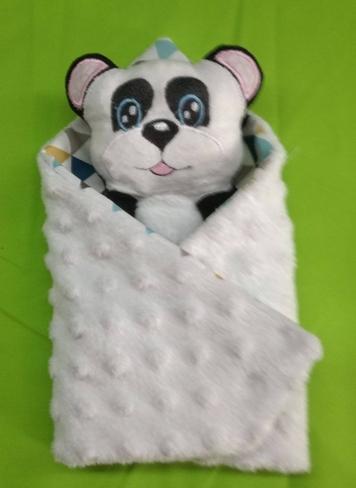 tine-panda-blanket-2.jpg