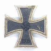 Germany: WWII Iron Cross 1939 - First Class - by Otto Schickle