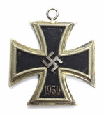 Germany: WWII Iron Cross - Second Class Lot#2
