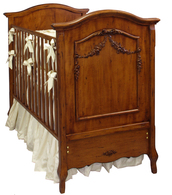 Floral Swag Crib Finish: Chateau Appliqued Moulding Finish: Chateau