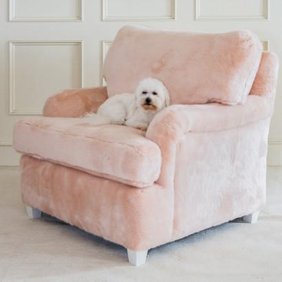 Fur Chair Fabric: AFK Pink Fur Feet Finish: Whisper