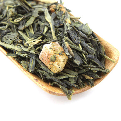 An exceptionally smooth blend of Japanese Sencha and strawberry pieces.