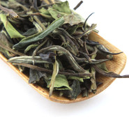 Premium white tea is mixed with natural peach and apricot flavours to produce a delicious brew.