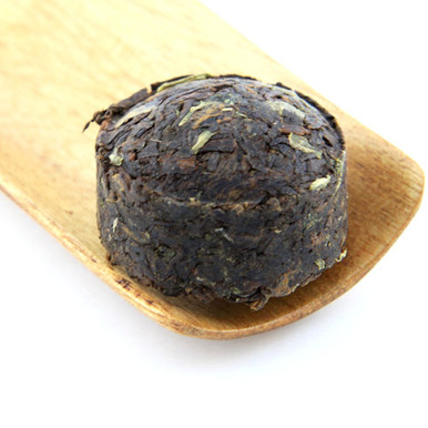 A great cooked pu'er infused with the flavour of rice for a crisp, sweet and refreshing brew.