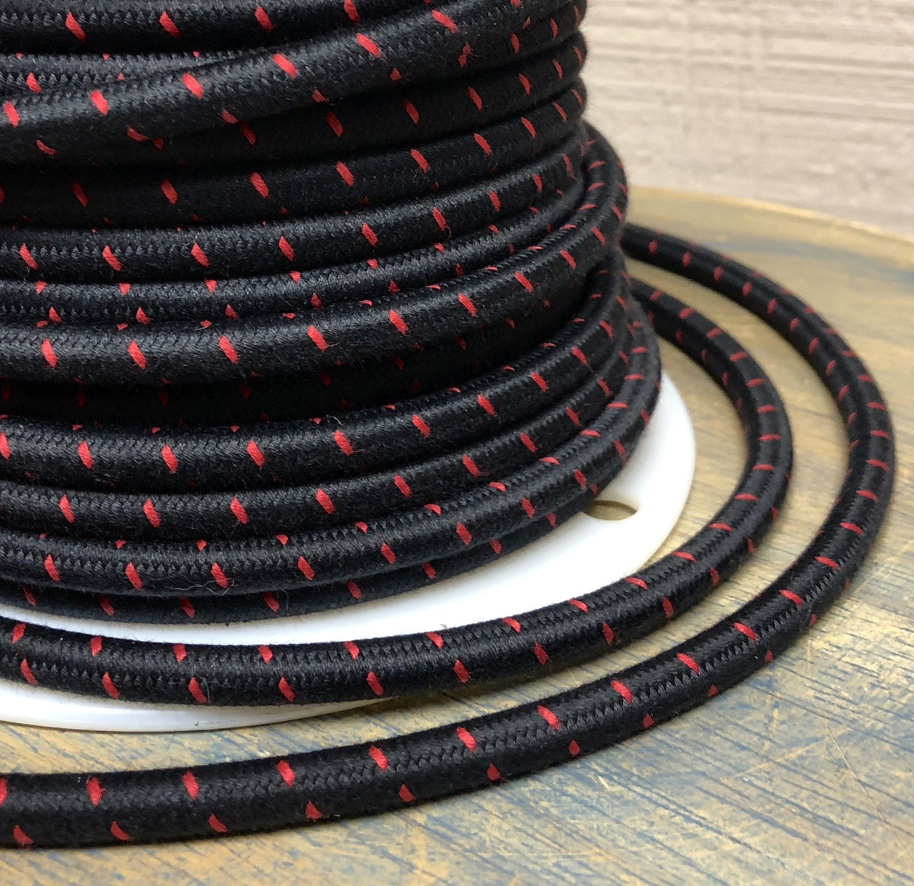 Black w/ Red Single Sch Tracer Round Cloth Covered 3-Wire Cord, Cotton on