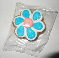 Gingerbread Cookie - Flower - Blue and White with a Pink Centre, by Krimpis,  and more Snack Foods at The Professors Online Lolly Shop. (Image Number :5441)