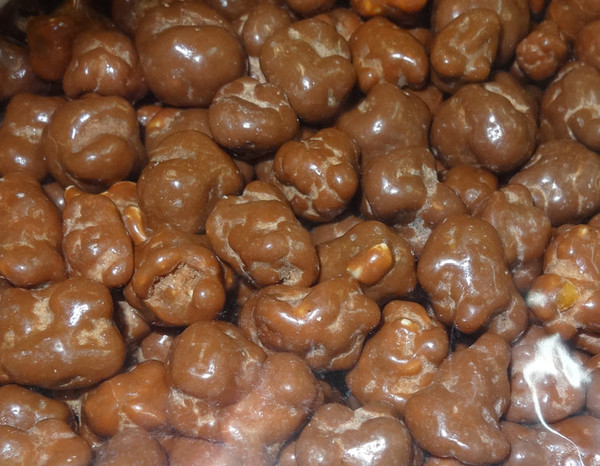 Milk Chocolate Caramel Popcorn, by Universal Candy,  and more Snack Foods at The Professors Online Lolly Shop. (Image Number :8366)