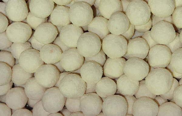 Apricot Balls - Large, by Robern Menz,  and more Snack Foods at The Professors Online Lolly Shop. (Image Number :7243)